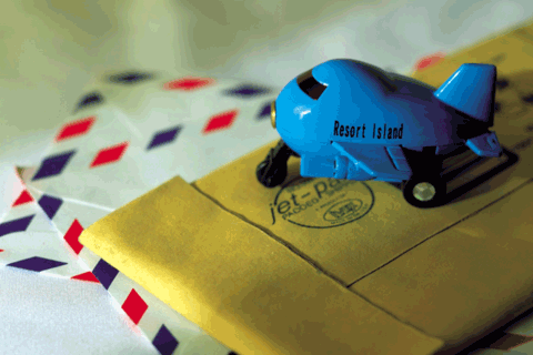 郵便物と飛行機